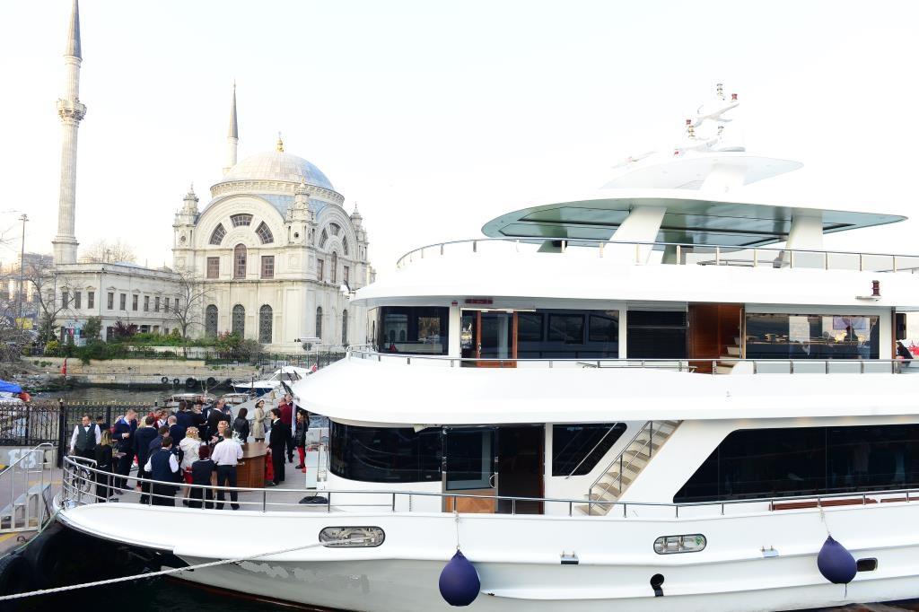 nouveau-bateau-restaurant-42-m-650-passagers-10.jpg