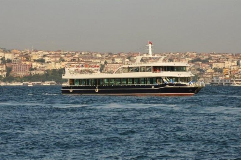 nouveau-bateau-restaurant-42-m-650-passagers-27.jpg