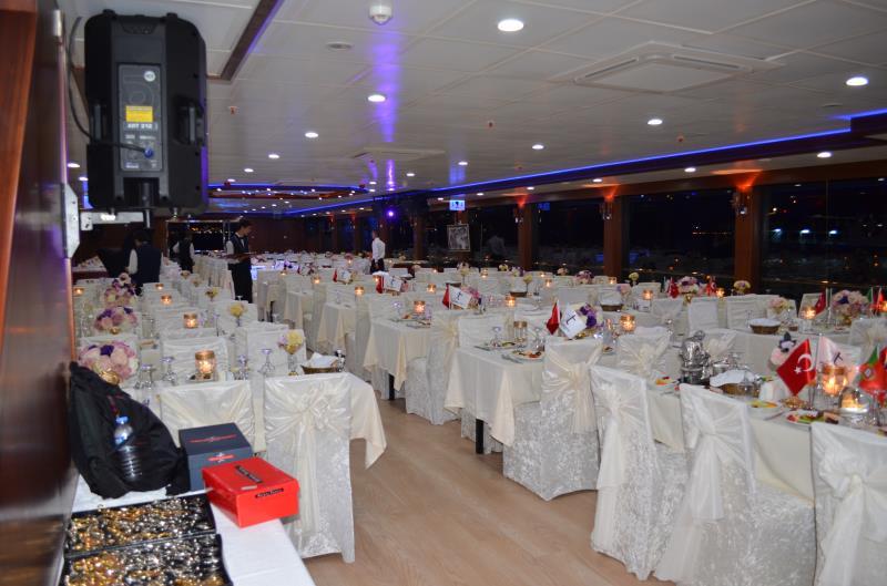 nouveau-bateau-restaurant-42-m-650-passagers-3.jpg