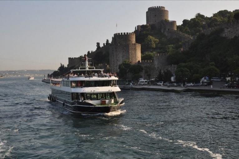 nouveau-bateau-restaurant-42-m-650-passagers-30.jpg