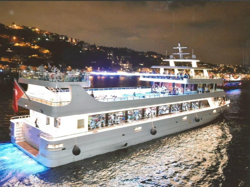 nouveau-bateau-restaurant-42-m-650-passagers-6.jpg