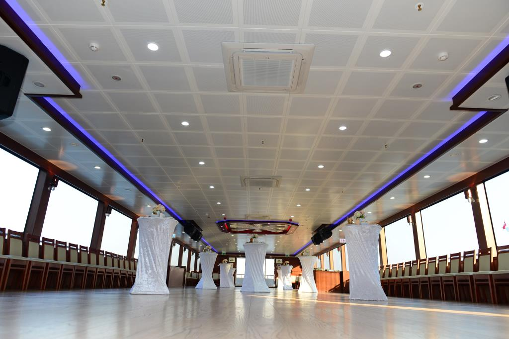 nouveau-bateau-restaurant-42-m-650-passagers-7.jpg
