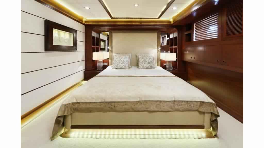 goelette-ultra-luxe-43m-10-passagers-20.jpg