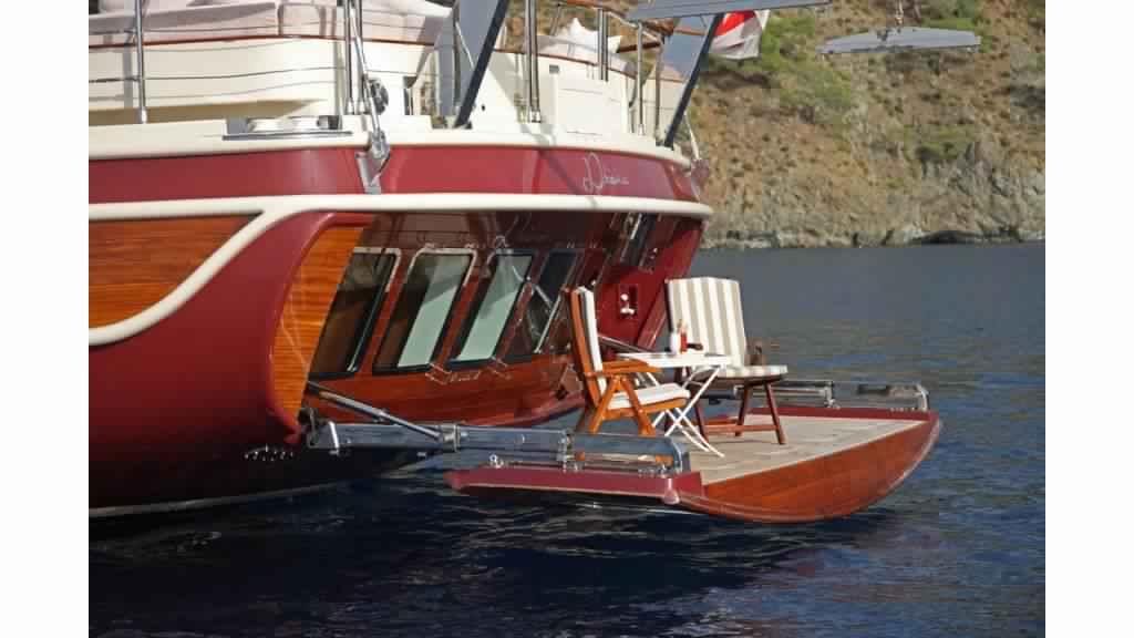 goelette-ultra-luxe-43m-10-passagers-32.jpg