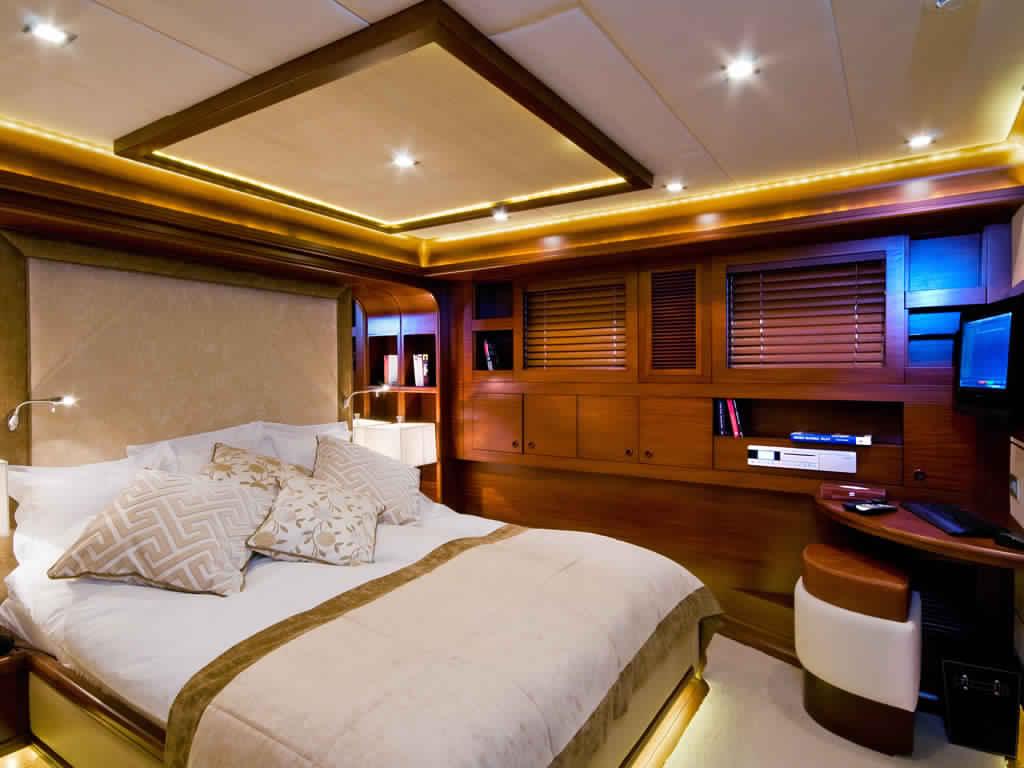 goelette-ultra-luxe-43m-10-passagers-37.jpg