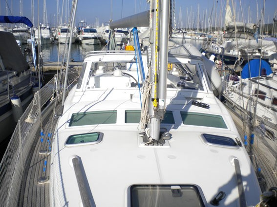 Beneteau-Oceanis-42CC-Emily-Palma_page6_image13.jpg