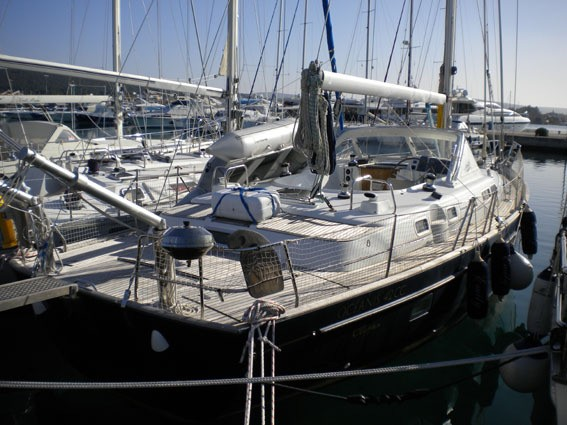 Beneteau-Oceanis-42CC-Emily-Palma_page6_image19.jpg