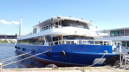 bateau-restaurant-passagers-36m-2012-600-pax-a-vendre-1.jpeg