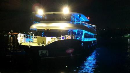 bateau-restaurant-passagers-36m-2012-600-pax-a-vendre-19.jpg