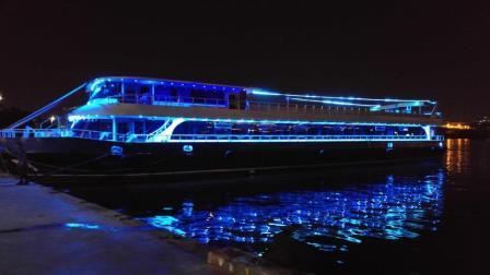 bateau-restaurant-passagers-36m-2012-600-pax-a-vendre-2.jpeg