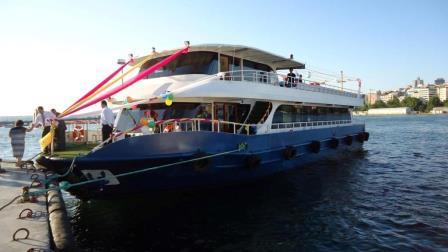 bateau-restaurant-passagers-36m-2012-600-pax-a-vendre-4.jpeg
