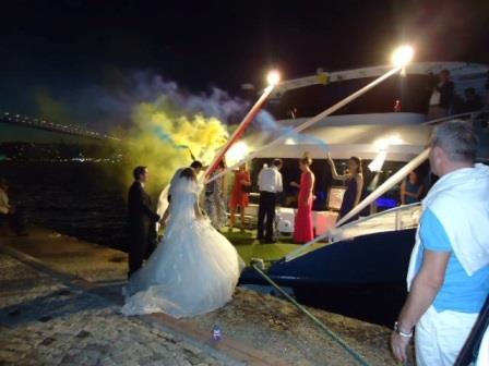 bateau-restaurant-passagers-36m-2012-600-pax-a-vendre-5.jpg