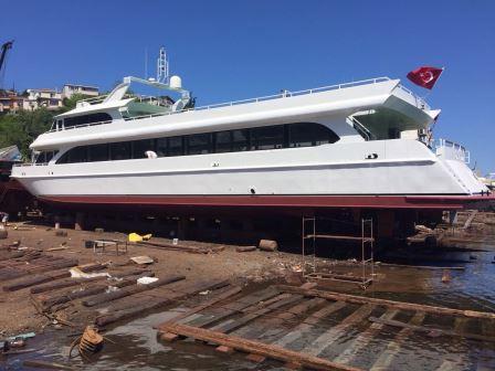 bateau-restaurant-passagers-38m-annee-2015-a-vendre-10.jpeg