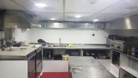 bateau-restaurant-passagers-38m-annee-2015-a-vendre-9.jpeg
