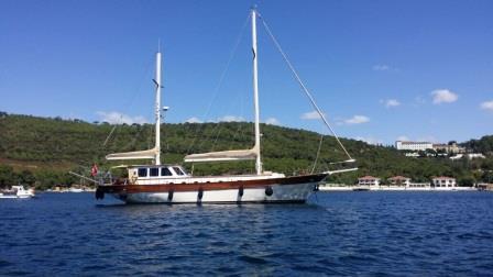 goelette-20m-renovee-2016-8-pax-a-vendre-prestige-boat-15.jpg