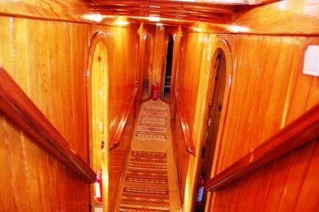 goelette-24m-9-cabines-20-pax-a-vendre-prestige-boat-5.jpg