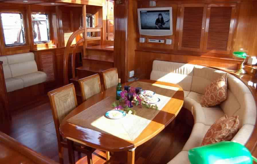 goelette-luxe-28m-6-pax-a-vendre-prestige-boat-13.jpg