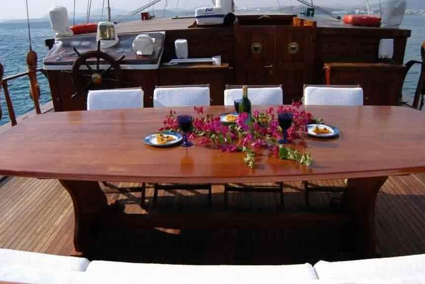 goelette-luxe-28m-6-pax-a-vendre-prestige-boat-24.jpg