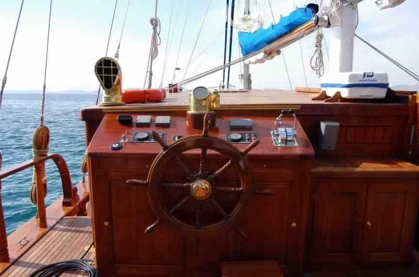 goelette-luxe-28m-6-pax-a-vendre-prestige-boat-25.jpg