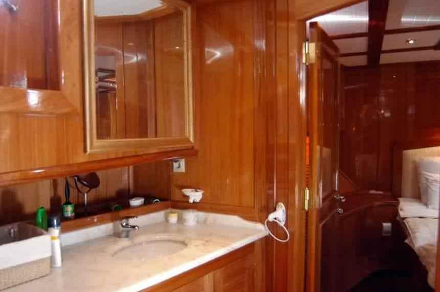 goelette-luxe-28m-6-pax-a-vendre-prestige-boat-6.jpg