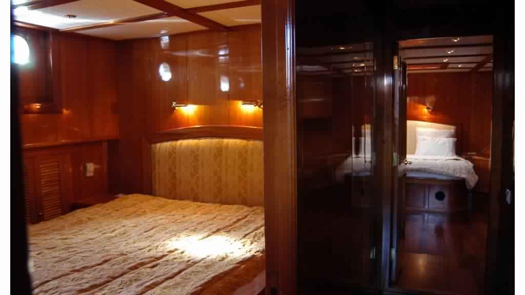 goelette-luxe-28m-6-pax-a-vendre-prestige-boat-9.jpg
