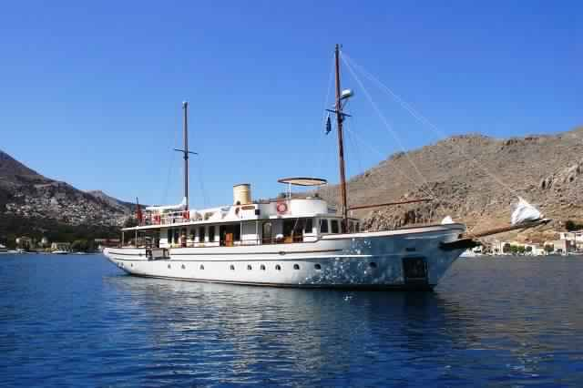 yacht-classique-deluxe-31m-8-pax-VIP-31.jpg