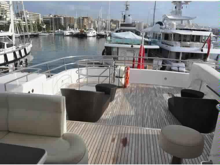 yacht-classique-deluxe-31m-8-pax-VIP-34.jpg