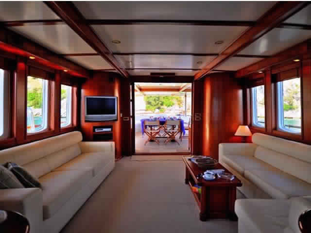yacht-classique-deluxe-31m-8-pax-VIP-35.jpg