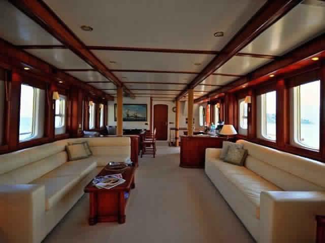 yacht-classique-deluxe-31m-8-pax-VIP-36.jpg