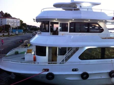 bateau-transport-passagers-24m-annee-2015-350-pax-a-vendre-1.jpg