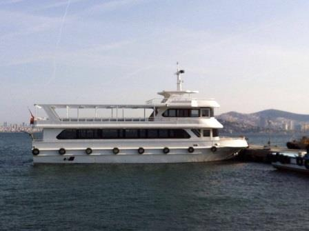 bateau-transport-passagers-24m-annee-2015-350-pax-a-vendre-10.jpg