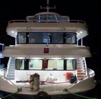 bateau-transport-passagers-24m-annee-2015-350-pax-a-vendre-7.jpg