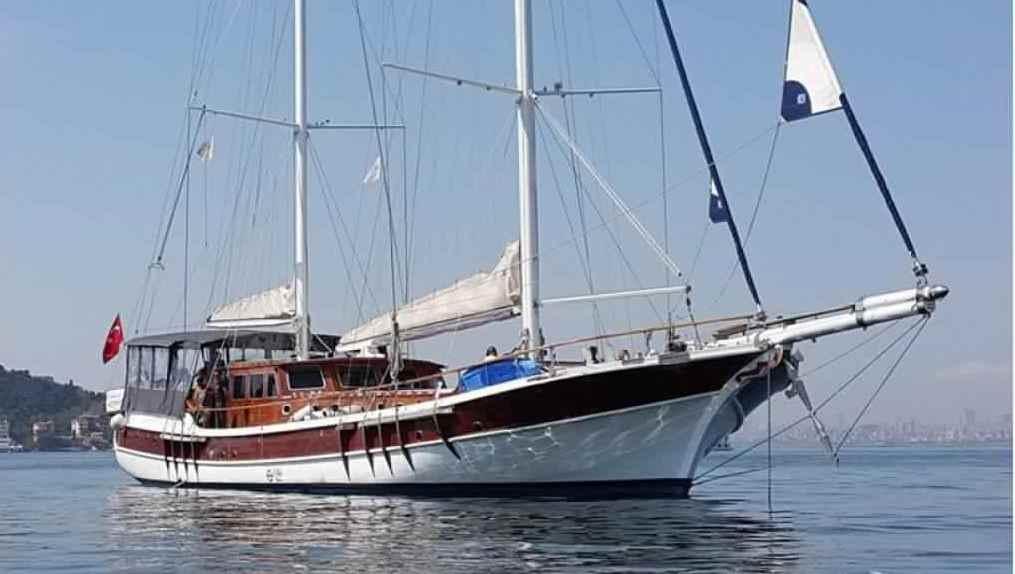 goelette-33m-10-cabines-22-pax-renovee-2014-a-vendre-29.jpg